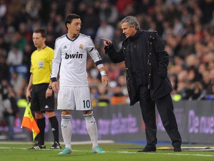 mourinho and ozil.PNG